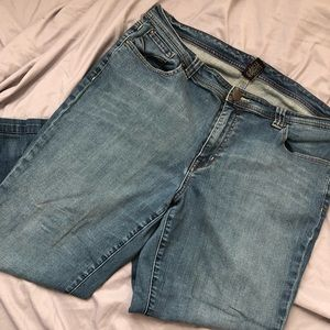 Venezia Straight Leg Denim Capris 20 x 25""